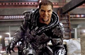 Michael Shannon mostra um brilhante interpretação para o General Zod. Um verdadeiro representante da classe vilã! Fonte: Divulgação/reprodução